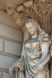 Statue avec le klaxon du beaucoup Image libre de droits