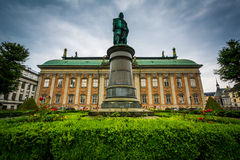 Statue of Axel Oxenstierna and Riddarhuset, the House of Nobilit Royalty Free Stock Photos