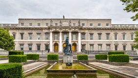 Statue behind the custom house in Dublin Royalty Free Stock Photography