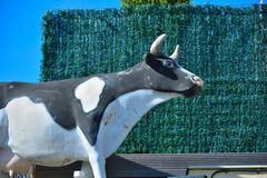 Statue of a black and white cow Royalty Free Stock Photos