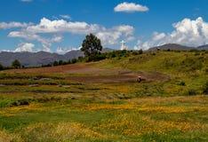 Statue blanche de Jesus Overlooking la ville de Cusco photos libres de droits