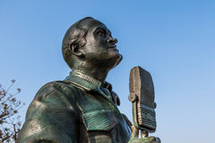 Statue of Bob Hope by Eugene Daub and Steven Whyte. SAN DIEGO, CALIFORNIA - FEBRUARY 29, 2016: Bronze statue of actor/comedian Bob Hope in a memorial titled `A Royalty Free Stock Images
