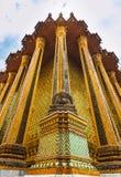 Statue bouddhiste chez Wat Phra Si Rattana Satsadaram Photographie stock libre de droits