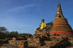 Statue Buddha sitzen im Freien Lizenzfreie Stockfotografie