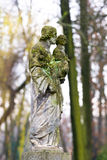 Statue in a cemetery Royalty Free Stock Photos