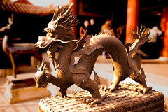 Statue chinoise de dragon à l'intérieur de Cité interdite Image stock