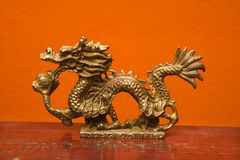 Statue chinoise de dragon. Photos libres de droits