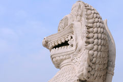 Statue chinoise de gardien de lion Photos stock