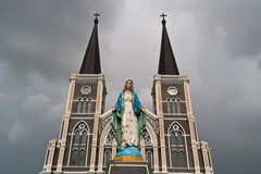 Statue church Royalty Free Stock Image