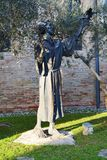 Statue and the church of S. Francesco, Treviso Royalty Free Stock Photography