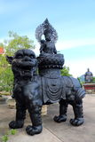 Statue cinesi di mitologia in tempio cinese Immagine Stock Libera da Diritti