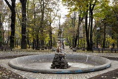 Statue in Copou-Park, Iasi, Rumänien im Herbst Lizenzfreie Stockfotos