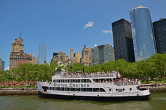 Statue Cruises ferry with passengers approaching Battery Park Stock Images