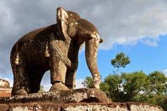 Statue d'éléphant au temple est de Mebon dans Angkor Vat Image stock