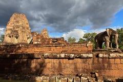 Statue d'éléphant au temple est de Mebon dans Angkor Vat Image libre de droits
