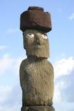 Statue d'île de Pâques avec le chapeau Image libre de droits