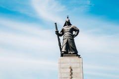 Statue d'amiral Yi Sun-Shin à la place de Gwanghwamun à Séoul, Corée Image stock