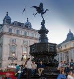 Statue d'amour d'eros au cirque de Piccadilly Londres Photos stock