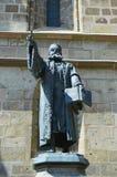 Statue d'apôtre en Brasov, Roumanie Photographie stock libre de droits