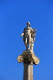 Statue d'Apollon sur la colonne, Athènes, Attique, Grèce Photos stock