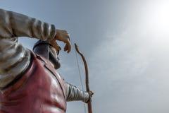 Statue d'archer de l'homme à Istanbul tout en tirant Photo libre de droits