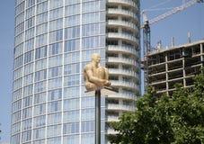 Statue d'or d'homme dans le secteur Dallas, TX d'arts Photographie stock