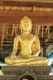 Statue d'or de Bouddha Images stock