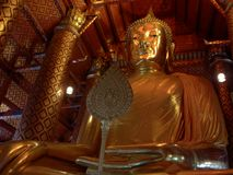 Statue d'or de Bouddha Photo stock