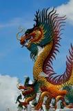 Statue d'or de dragon Photo stock