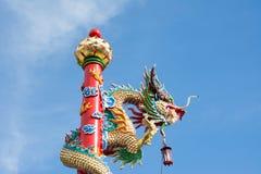 statue d'or de dragon Images libres de droits