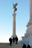 Statue d'or de l'ange d'une paix symbolique, Rome Photographie stock
