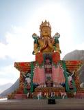 Statue d'image de Maitreya Bouddha dans le style tibétain au monastère de Diskit, vallée de Nubra, Inde de nord de Ladakh photographie stock libre de droits