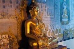Statue d'intérieur de Bouddha de Wat Phra That Doi Suthep dans Chiangmai, Thaïlande Photo stock