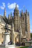 Statue d'Oliver Cromwell aux Chambres du Parlement Photos libres de droits