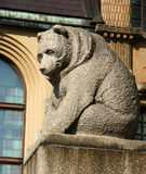 Statue d'ours image stock