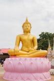 Statue d'or thaïe de Bouddha Images libres de droits
