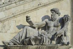 Statue d'un dieu du Nil, devant Palazzo Senatorio, en place de Piazza del Campidoglio De Roma ou de Capitoline, Rome, Italie photo stock