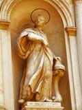Statue d'un saint Photographie stock libre de droits