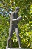Statue dans l'avant Vasil Levski National Stadium Photo stock