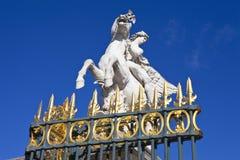 Statue dans le jardin de Tuileries à Paris image libre de droits