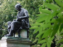 Statue dans le sauvage images libres de droits