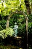 Statue dans un beau jardin chez Monte au-dessus de Funchal Madère Photos libres de droits