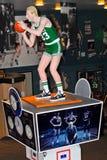 Statue découpée en bois de Larry Bird Photo stock