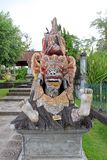 Statue de Balinese d'un costume de carnaval de bête image libre de droits