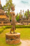 Statue de Bouddha au parc Thaïlande de lac Sukhothai Image libre de droits