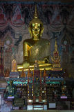 Statue de Bouddha au temple de Nong Bua Image stock