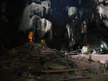 Statue de Bouddha dans la caverne Photos stock
