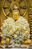 Statue de Bouddha dans la pagoda de Botataung à Yangon Images stock