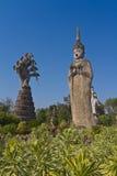 Statue de Bouddha dans le style indou, temple thaïlandais dans la province Thaïlande de Nhongkhai Photographie stock libre de droits