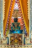 Statue de Bouddha dans le temple bouddhiste Wat Lo Sutthawat Photo stock